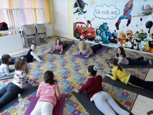 yoga scolari