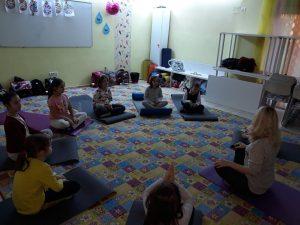 clase yoga pentru scolari