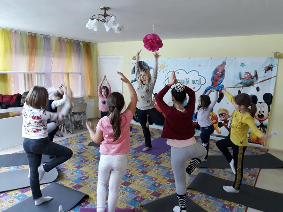 clase yoga pentru copii